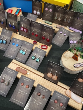It's a glass Act has beautifully handcrafted jewelry! Find her Wednesday December 7th and every Saturday through December 17th!